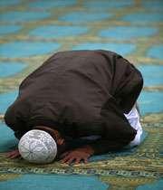 از ديگر اتهامات وهابيان به شيعه