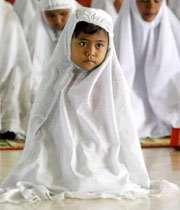 مکروهات و مستحبات لباس نماز گزار