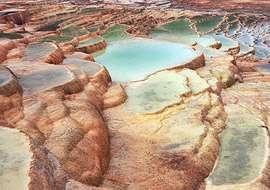 چشمه آب معدنی گوگرد دار سورت