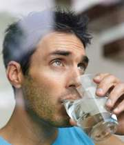 آداب آشامیدن آب