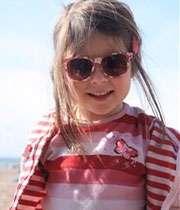 کودکان هم باید از عینک آفتابی استفاده کنند
