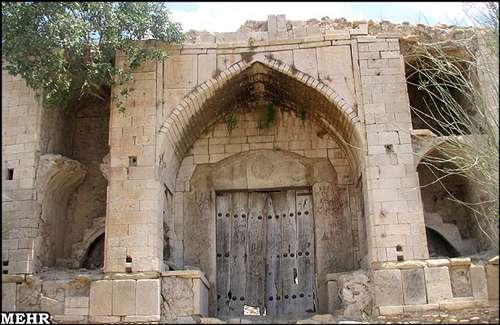 میان کتل-کاروان سرای سنگی ایران-