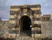 البوابة الحجرية