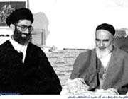 رهبر انقلاب و امام خمینی رهبری
