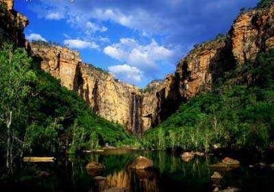 ۱۰ آبشار زیبا و ناشناخته جهان +تصاویر