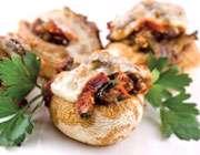 دلمه قارچ با مرغ؛ غذایی مناسب برای درمان نرمی استخوان