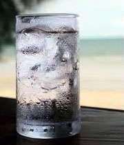 با غذای داغ، آب یخ ننوشید