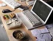 12 قانون طلایی برای غذا خوردن در محل کار