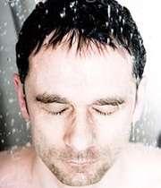 در فصل گرما، زود به زود حمام کنید