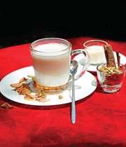 بفرمایید چای و كیك پاییزی!