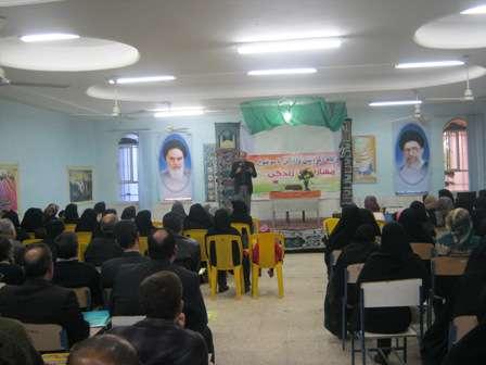 برگزاری کارگاه آموزش والدین در دبیرستان هدف1 و آموزشگاه راهنمایی فرهنگیان ناحیه 3 اهواز