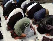 نماز پڑھنا
