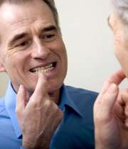 آیا روزهدار میتواند دهان خود را بشوید؟