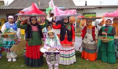 نماهنگ زیبای محلی عروسی با صدای حجت اشرف زاده