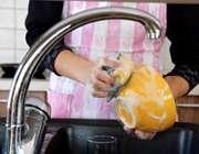 شستن ظرف در ظرفشویی