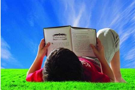 ۱۰ رمان که تا تمام نکنید زمین نمی گذارید