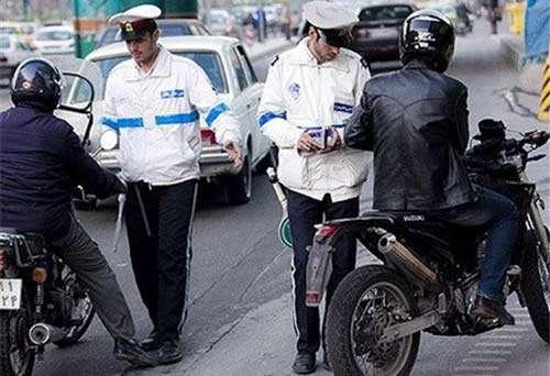 ۴ تخلفی که منجر به توقیف موتورسیکلت متخلفان می شود
