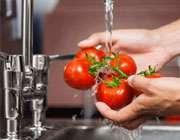 شستن میوه