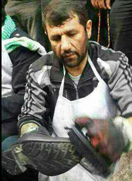 «هادی کجباف» بود که او را در حال واکس زدن کفش زوار حسینی (ع)