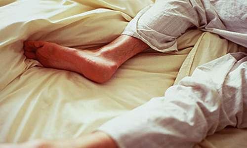بیقراری پا در خواب