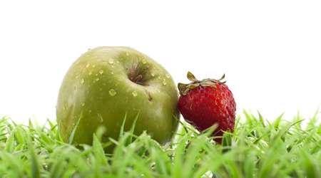 سیب و توت فرنگی