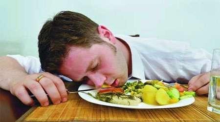 خواب الودگی بعد از غذا