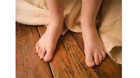چرا کف حمام سرد و حوله گرم است؟
