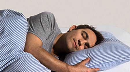 بالش و تشک خواب