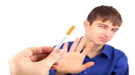 نوجوان سیگاری