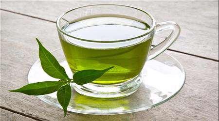 الشاى الأخضر يحد من رائحة الفم الكريهة ويعزز صحة الأسنان واللثة