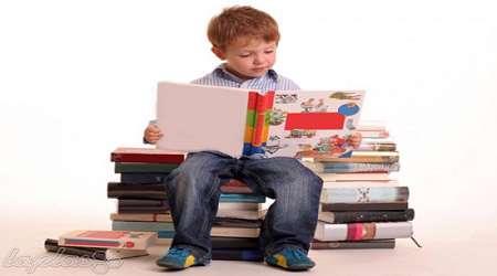کودکانی که با مطالعه، پُز می دهند