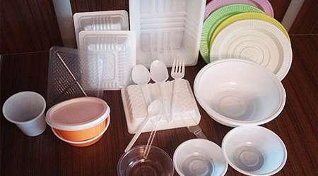 ظروف يکبار مصرف شما را چاق و نازا مي کند