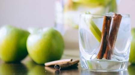 آب سیب و دارچین