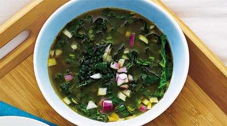 سوپ کاری با سبزیجات برگ سبز