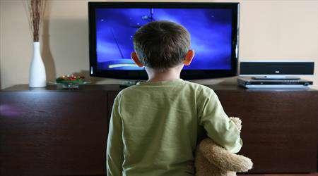 فيلم هاي نامناسب چه تأثيري روي فرزندان ما دارند؟