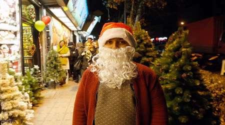 وقتي خريد کاج کريسمس نشانه روشنفکري است!!