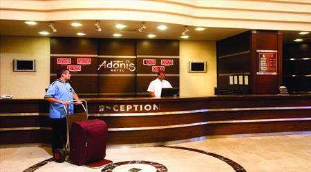امروزه هتل های جهان میز پذیرش ندارند