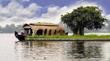 تجربه شگفت انگیز در خانه های قایقی هند