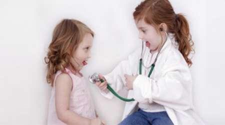 دکتر بازی کودکان