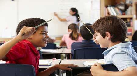 یک راه قدرتمند برای به حداقل رساندن رفتارهای مخل کننده دانشجویان (4)