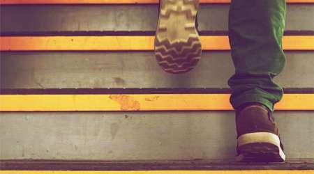 بالا رفتن از پله ها