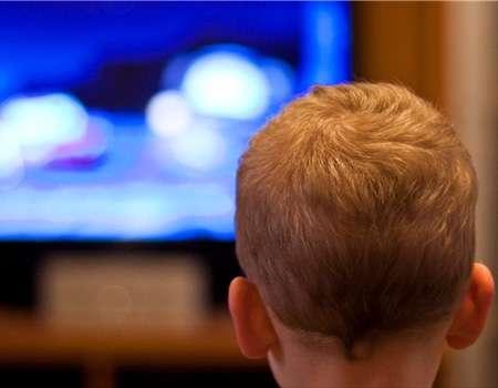 باحثون: الاجهزة الرقمية تهدد الاطفال بمخاطر جفاف العين