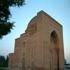 dôme hāruniyeh, où le célèbre mystique imam mohammad al-ghazāli est enterré.